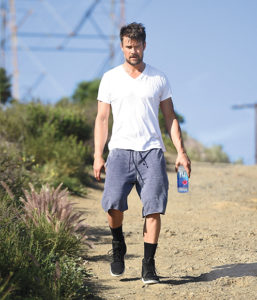 LOS ANGELES, CA - FEBRUARY 21: Actor Josh Duhamel hikes in Kentner Canyon on February 21, 2015 in Los Angeles, California. (Photo by Jason Merritt/GC Images)