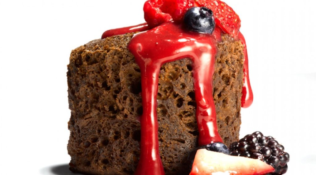 chocolate-protein-cakes-berry-sauce